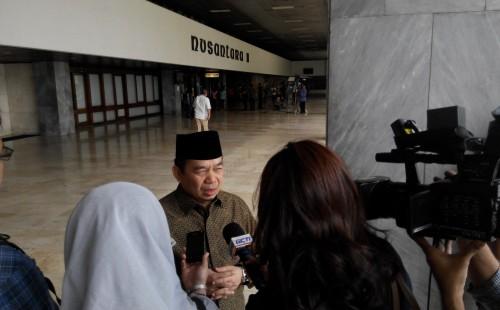 Wawancara sedang dilakukan oleh Ust Jazuli